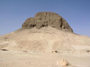 La Momia Extraterrestre de Pirámide Egipcia de Senusret II